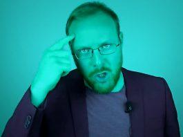 Hagen Grell und Nikolai Nerling Der Volkslehrer setzen Sven Liebich unter Druck